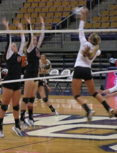 WCU close match against Davidson shows volleyball's young talent