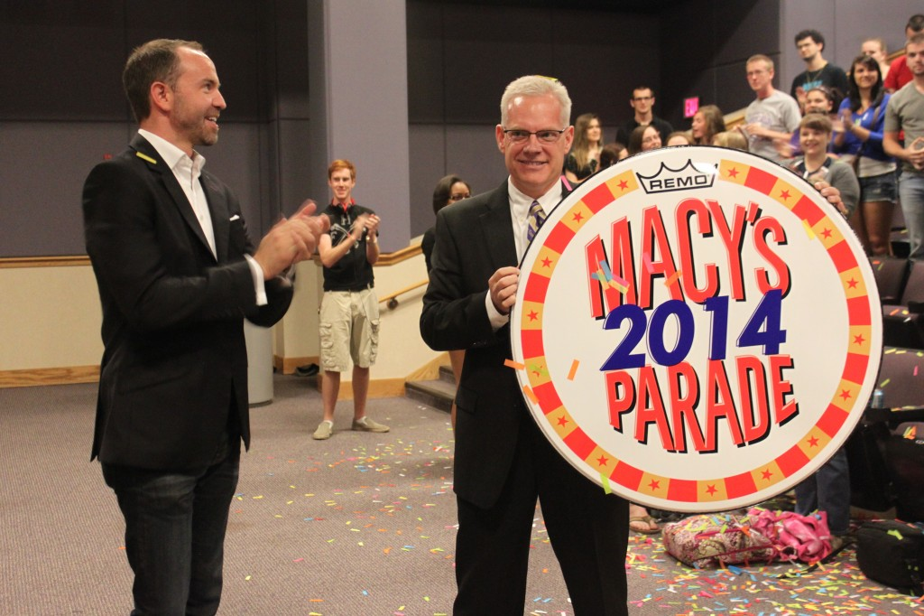 Macy's Parade Announcement 04