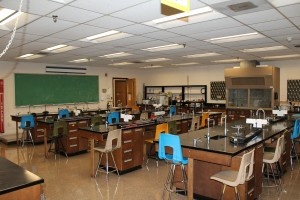 The setup of many current labs limits students' ability to 'learn through discovery'. Photo by Edgar Nye.