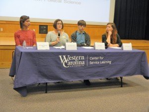 Jennifer Schiff informs students on foreign policy. Photo by Shelby LeQuire.