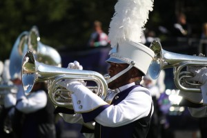 'Pride of the Mountains' performs exhibition at Enka marching contest