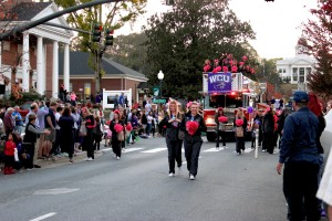 'Purple reigns' on WCU homecoming parade